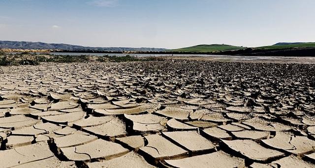 Kỳ Meghalayan bắt đầu 4.200 năm trước với một đợt siêu hạn hán trên toàn thế giới kéo dài 200 năm.