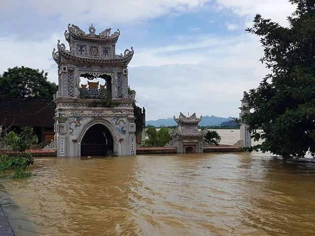 Bộ trưởng Nguyễn Xuân Cường kiểm tra tình hình mưa lũ tại Ninh Bình - 2