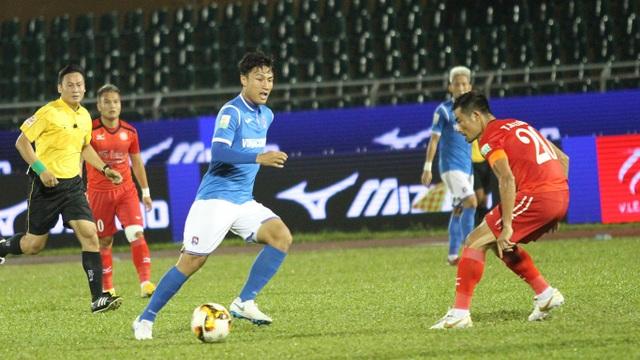Mạc Hồng Quân thi đấu khá tốt, nhưng không thể ngăn được thất bại của Than Quảng Ninh trước CLB TPHCM