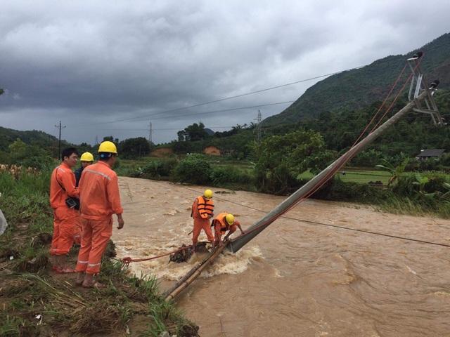 Mưa lớn sau bão số 3 gây ngập lụt nặng, thiệt hại không nhỏ đến lưới điện các tỉnh phía Bắc - 2
