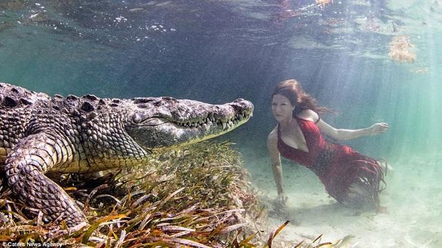 Nhiếp ảnh gia người Mỹ Ken Kiefer đã thu hút sự chú ý với bộ ảnh mạo hiểm thực hiện tại Mexico.
