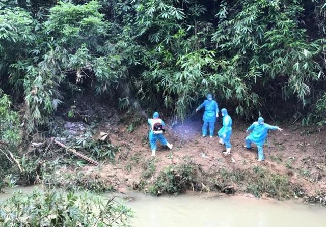 Hiện trường nơi phát hiện thi thể cháu bé, cách nhà khoảng gần 3km