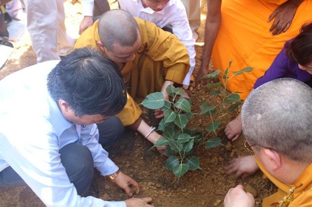 Sáng ngày 22/7/2018, cây Bồ Đề linh thiêng đã được đoàn cung đón về đến sân bay Nội Bài và đi thẳng đến Điện Tam Thế chùa Tam Chúc làm lễ sái tịnh khu đất và lễ trồng cây.