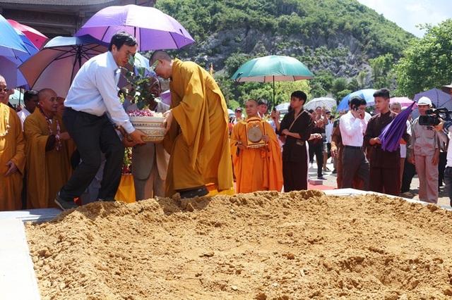 Cây bồ đề được Chủ tịch Quốc hội Sri Lanka tặng cho chùa Tam Chúc