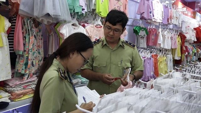 Lực lượng chức năng phát hiện nhiều sai phạm tại hệ thống cửa hàng của Con Cưng.