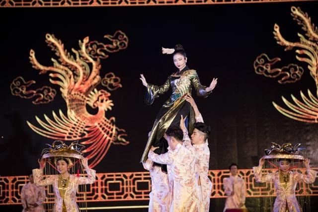 Trong chương trình con có các nghệ sĩ khác như Thanh Lam, Elvis Phương, Yến Lê, Yanbi, Lưu Hiền Trinh và Tùng Lâm.