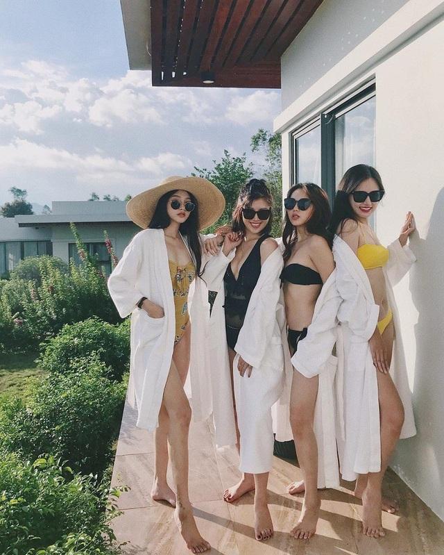 """Hình ảnh mới nhất, Linh Thỏ, Trương Hoàng Mai An thân thiết cùng các hot girl """"Nóng cùng World Cup"""" nhưng không có Trâm Anh"""