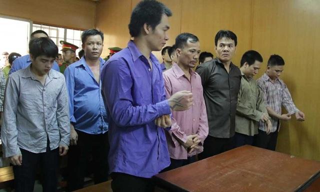 Băng nhóm bảo kê mại dâm đồng tính tại phiên sơ thẩm