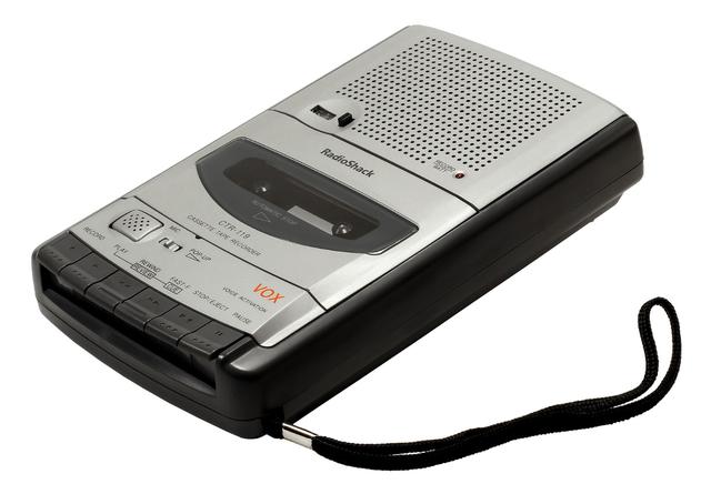 Băng cassette (dân ta hay gọi là cát-sét), cũng như máy cassette là kỷ niệm không thể quên, và gắn liền với nhiều thế hệ người dùng từ 8x, 7x trở về trước.