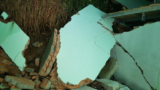 Hiện trường vụ sạt lở ở Bảo Lâm khiến nhiều căn nhà bị sập đổ