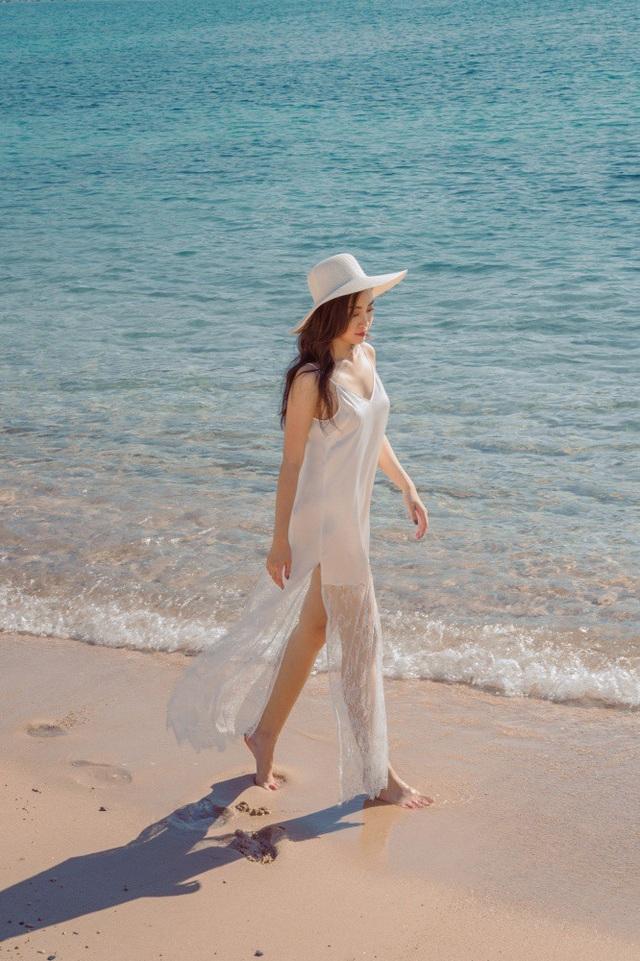 Đường cong mê đắm của Hoa hậu sắp làm MC cho VTV - 13