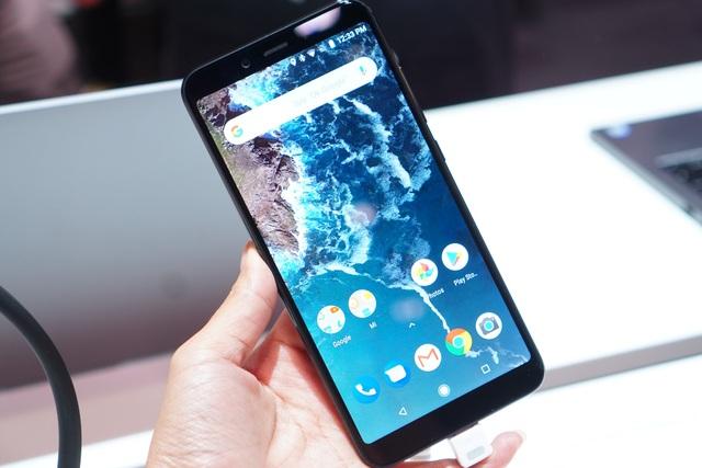"""Xiaomi chính thức ra mắt thế hệ Mi A2 và Mi A2 Lite giá """"sốc"""" - 2"""