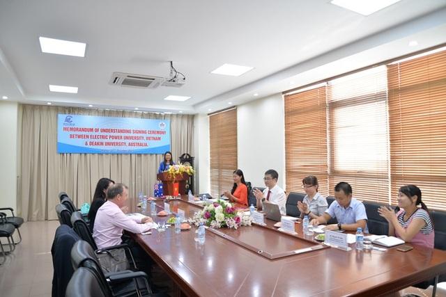 Để đi đến thỏa thuận song phương vừa được ký kết, trước đó vào tháng 10/2017 lãnh đạo hai trường: trường Đại học Điện lực và Trường đại học Deakin đã có các cuộc bàn thảo rất kỹ các phương thức hợp tác...