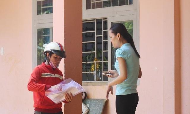 Trong một buổi sáng, chỉ có 1 phụ huynh đến nộp hồ sơ tại trường TH N'Trang Long