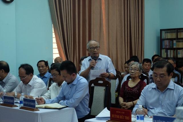 Các thành viên CLB Thái Phiên phát biểu nhiều ý kiến tâm tư với lãnh đạo TP Đà Nẵng