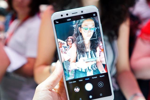 Xiaomi nói rằng đây là một thiết bị nên sở hữu đối với những người yêu thích selfie. Hệ thống camera selfie này sẽ được kết hợp với chế độ AI Portrait, AI Beautify 4.0 và HDR, cũng như đèn hỗ trợ selfie 4500K.