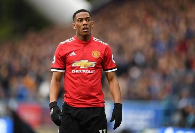 """""""Đúng câu lạc bộ, đúng giá chuyển nhượng"""" thì Martial sẽ rời Old Trafford"""