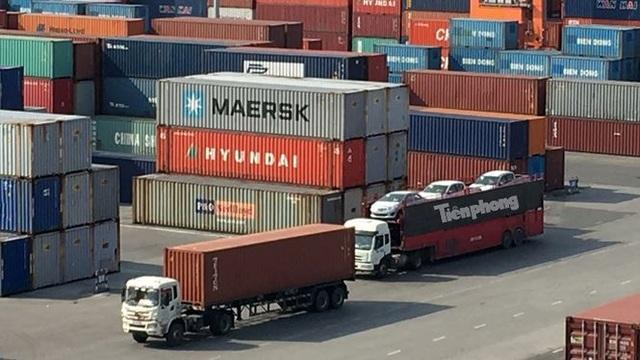 Theo số liệu thống kê sơ bộ của Tổng cục Hải quan, tuần qua (từ 13 đến 19/7), có tới 2.040 xe đăng ký nhập về Việt Nam, tổng trị giá đạt gần 40 triệu USD.