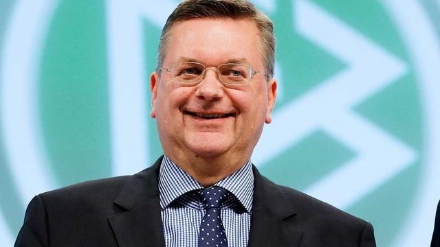 Chủ tịch liên đoàn bóng đá Đức Richard Grindel là người chỉ trích Ozil mạnh mẽ nhất