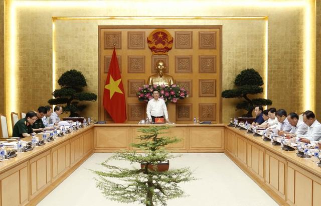 Phó Thủ tướng Vương Đình Huệ chủ trì cuộc họp sáng 25/7