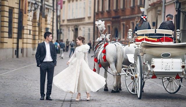 Á hậu Diễm Trang lên xe hoa vào năm 2015.