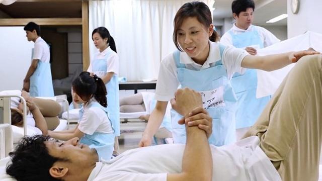 Điều dưỡng Việt Nam được đào tạo tại Nhật Bản. (Nguồn: asia.nikkei.com)