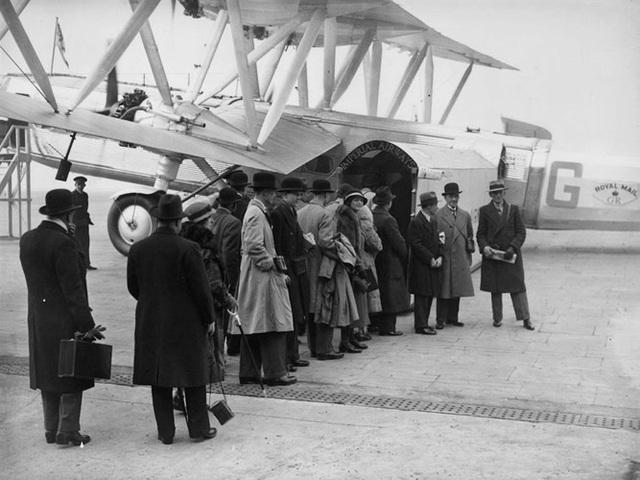 Hình ảnh cho thấy những đổi thay trong các chuyến bay xưa và nay - 11