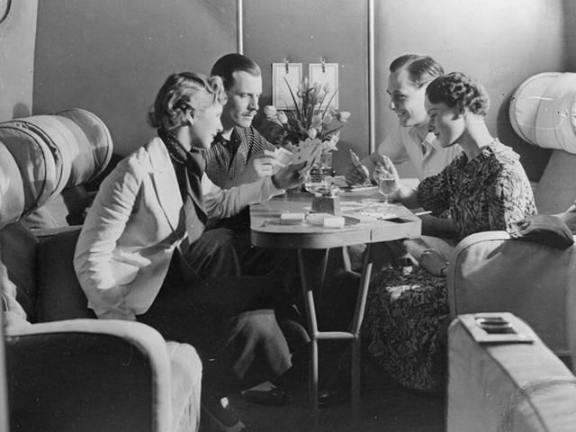 Hình ảnh cho thấy những đổi thay trong các chuyến bay xưa và nay - 23