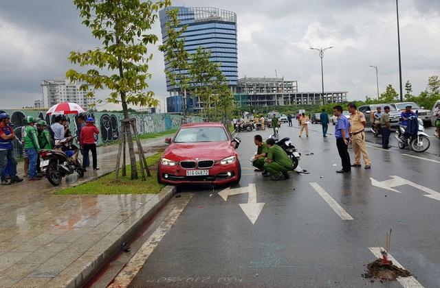 Một phụ nữ tử vong sau cú va chạm với ô tô BMW - 1