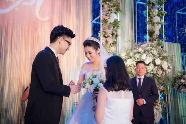 Cảm động lời dặn của bố mẹ khiến các nàng hậu Việt bật khóc trong ngày cưới - 6