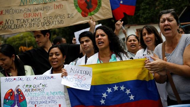 Ecoanalitica, một công ty tài chính có trụ sở tại Caracas, thậm chí còn dự kiến tỷ lệ lạm phát của Venezuela sẽ đạt 1,4 triệu phần trăm vào tháng 12 năm nay. (Nguồn: Quartz)