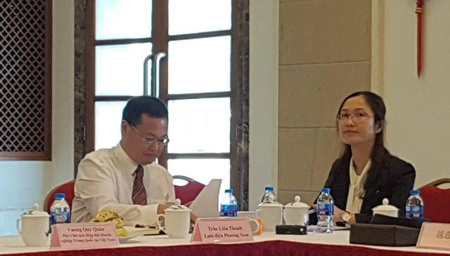 Ông Trần Liên Thanh - Đại diện Lưới điện Phương Nam (bên trái).
