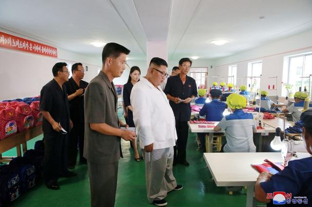 Hãng thông tấn quốc gia Triều Tiên (KCNA) hôm nay đưa tin nhà lãnh đạo Kim Jong-un đã tới thăm nhà máy túi Thương binh Wonsan ở tỉnh Kangwon.
