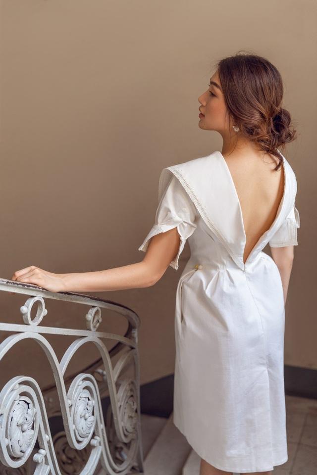 Kể từ khi đăng quang ngôi vị Á Hậu tại cuộc thi Hoa hậu Hoàn vũ Việt Nam 2015, Lệ Hằng ngày càng được đánh giá cao bởi phong cách thời trang đa dạng. Sở hữu vóc dáng chuẩn mẫu, dù là phong cách gợi cảm, quyến rũ hay thanh lịch, sang trọng, Lệ Hằng vẫn thu hút người nhìn.