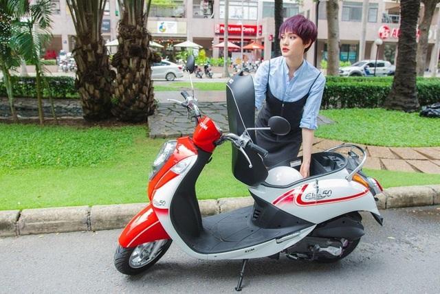 Elite 50cc thời trang với những tiện ích dành cho nữ