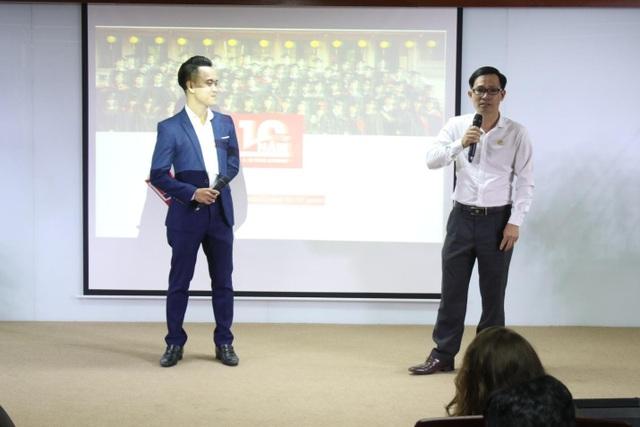 Cựu sinh viên SIU Nguyễn Xuân Thảo (phải) chia sẻ kinh nghiệm và định hướng nghề nghiệp tại SIU.
