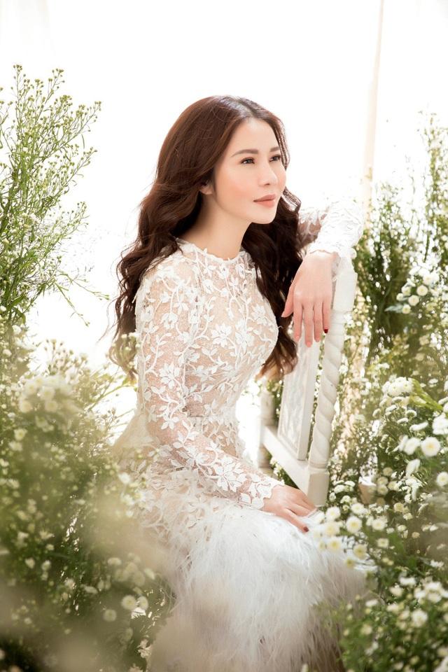 Doanh nhân – Hoa khôi Lan Phương đẹp tinh khôi với sắc trắng - Ảnh 4.