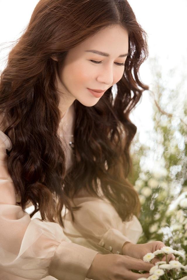 Doanh nhân – Hoa khôi Lan Phương đẹp tinh khôi với sắc trắng - Ảnh 6.