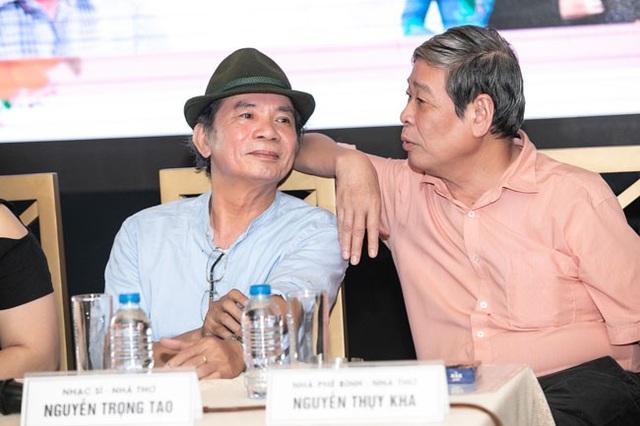 Nhà phê bình- nhà thơ Nguyễn Thụy Kha chia sẻ, gia đình và bạn bè ủng hộ Nguyễn Trọng Tạo thực hiện đêm nhạc tại quê nhà sau khi vượt qua lằn ranh sinh tử... (Ảnh: HBN)
