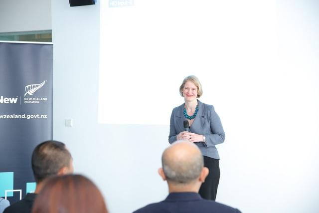Bà Wendy Matthews - Đại sứ New Zealand tại Việt Nam.