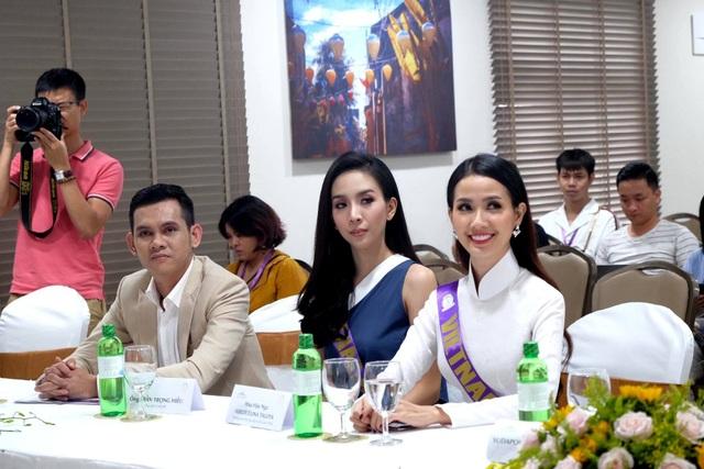 Người đẹp Phan Thị Mơ (ảnh phải) đại điện cho Việt Nam tham gia cuộc thi này