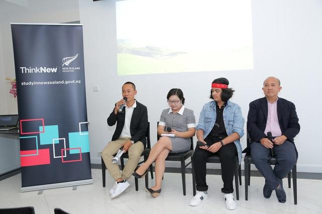 Các diễn giả chia sẻ thông tin, kinh nghiệm du học New Zealand tại tọa đàm.