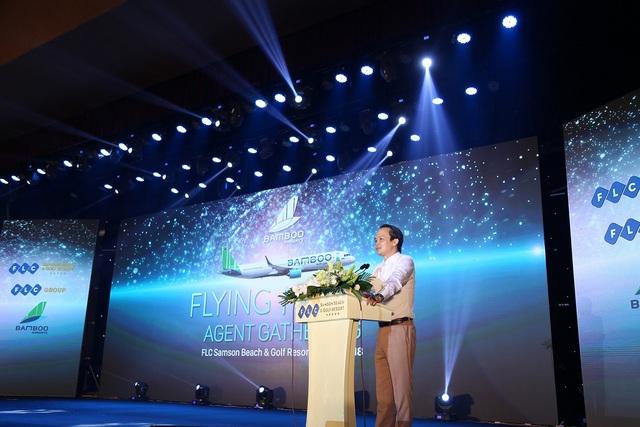 Ông Trịnh Văn Quyết-Chủ Tịch Tập đoàn FLC giao lưu đại lý tại sự kiện