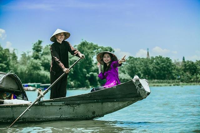 """Sau hành trình tình nguyện ấy, Văn Dệ cũng """"cưa đổ"""" và chính thức trở thành một nửa của Thanh Huyền. Kể từ đó họ có thêm động lực nắm tay nhau đi đến những vùng khó khăn để thực hiện việc làm thiện nguyện. Đến nay cặp đôi đã bên nhau, vượt qua thăng trầm của cuộc sống được 4 năm."""