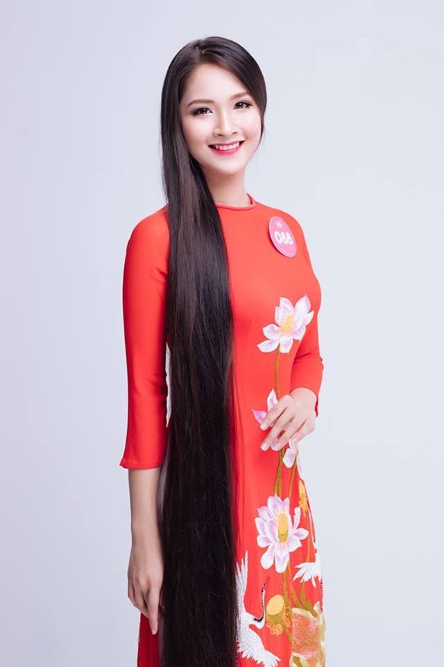 Nguyễn Thị Khánh Linh sinh năm 1997 hiện đang là sinh viên của lớp IB2015G Ngành Kinh doanh quốc tế, Khoa Quốc tế - ĐHQGHN