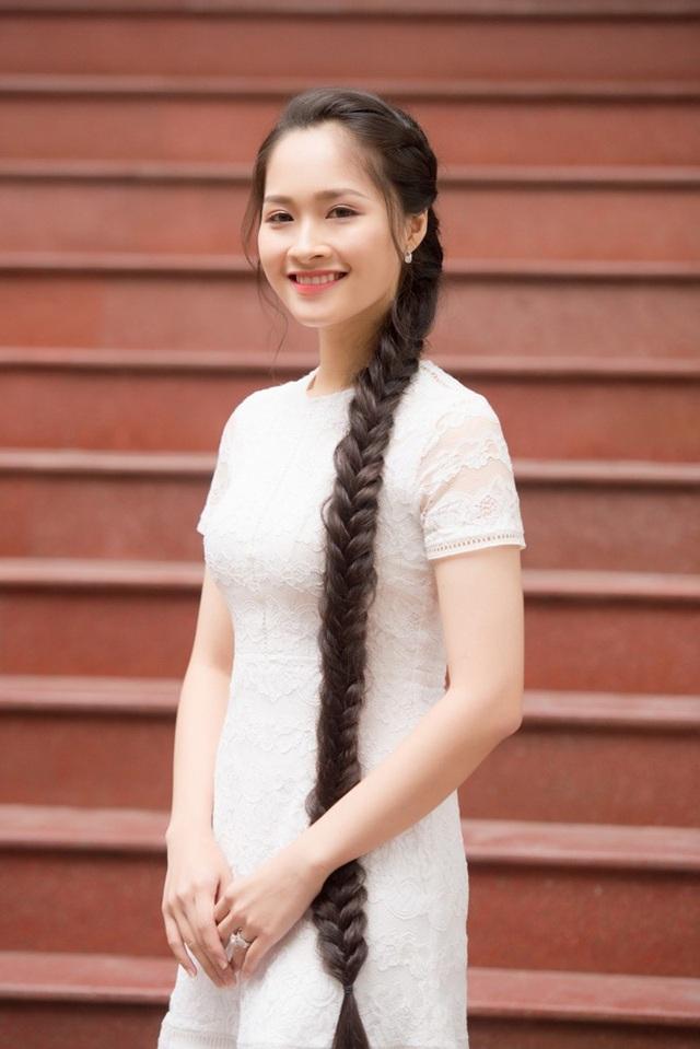 Khánh Linh sở hữu số đo: 84-62-93 và chiều cao 1m67