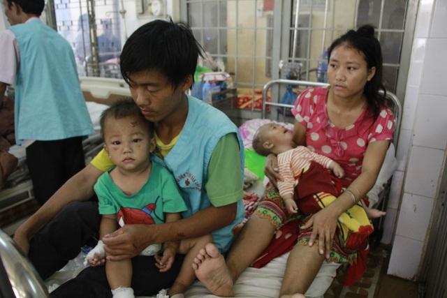 Hai con trai của anh Hà thời điểm nhập viện vì bị chấn thương sọ não, hiện sức khỏe đã ổn định được xuất viện