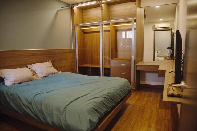 Phòng ngủ đơn giản mà tiện ích.