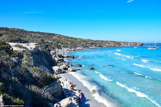 Bạn có biết đâu là những bãi biển đẹp nhất thế giới? - 16