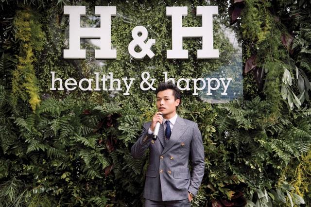 Ông Nguyễn Thế Anh trong một bài phát biểu trên truyền hình về hướng phát triển của H&H trong thời gian sắp tới